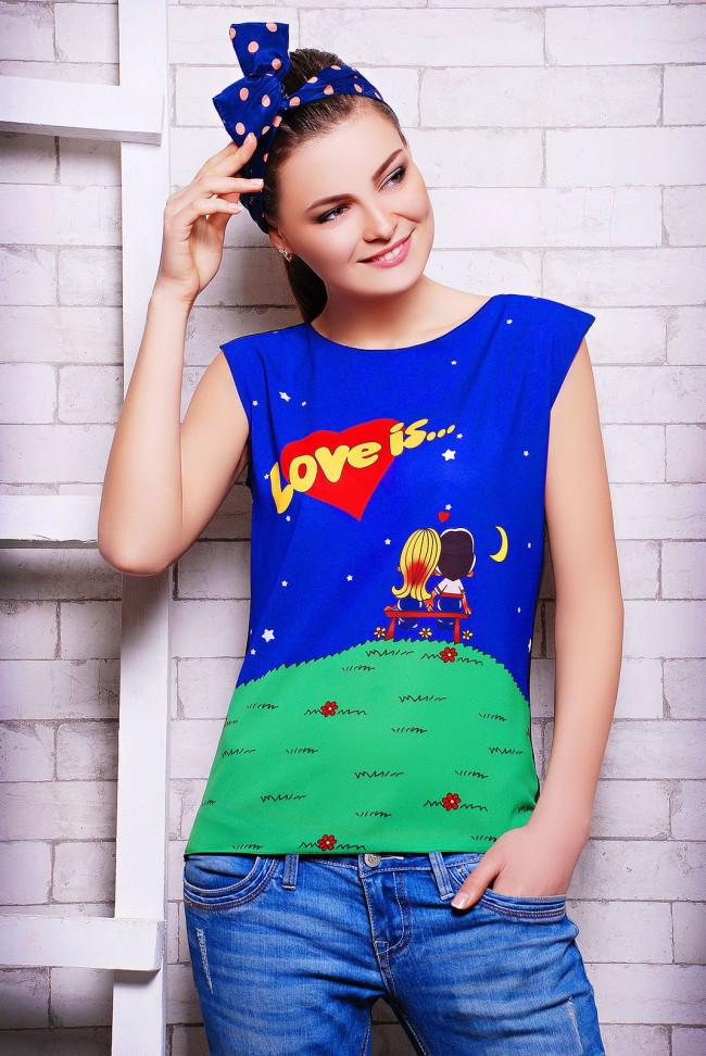 """Стильна синьо-чорна жіноча футболка без рукавів з принтом і написом Love is """"Classic"""""""