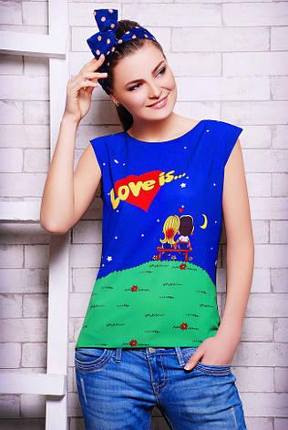 """Стильна синьо-чорна жіноча футболка без рукавів з принтом і написом Love is """"Classic"""", фото 2"""