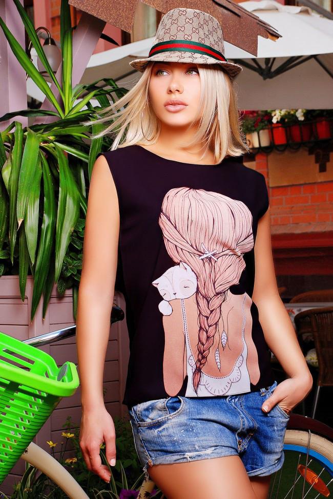 """Стильна чорна жіноча футболка без рукавів з принтом Дівчинка з котиком """"Classic"""""""