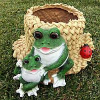 "Декоративное кашпо ""Лягушки на шляпе"""