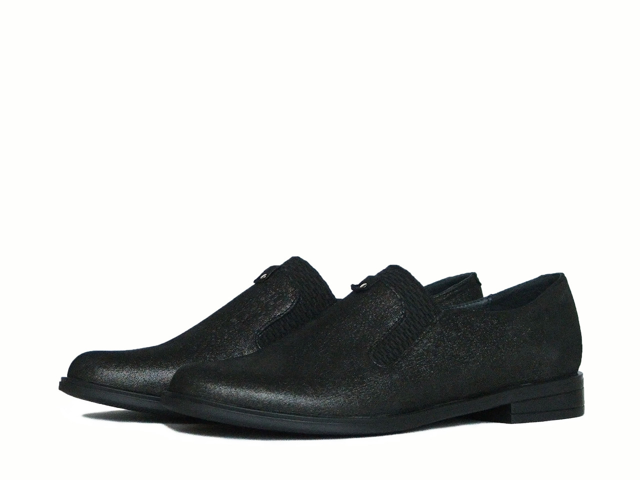 Серые туфли на маленьком каблуке