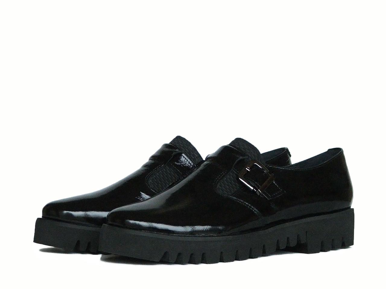 Лакированные Черные Туфли на Тракторной Подошве — в Категории