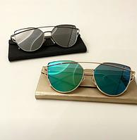 Женские фигурные солнцезащитные очки в золотой оправе серый e3f5b079bed8e