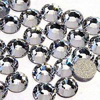 Камни Swarovski №12 белые 100 шт