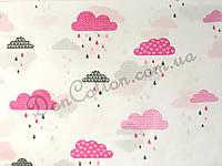 """Польская хлопковая ткань """"Розовые и серые облака с дождиком"""""""