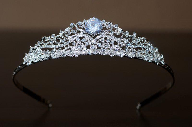 Диадема, корона свадебная на голову для невесты на свадьбу Dia307