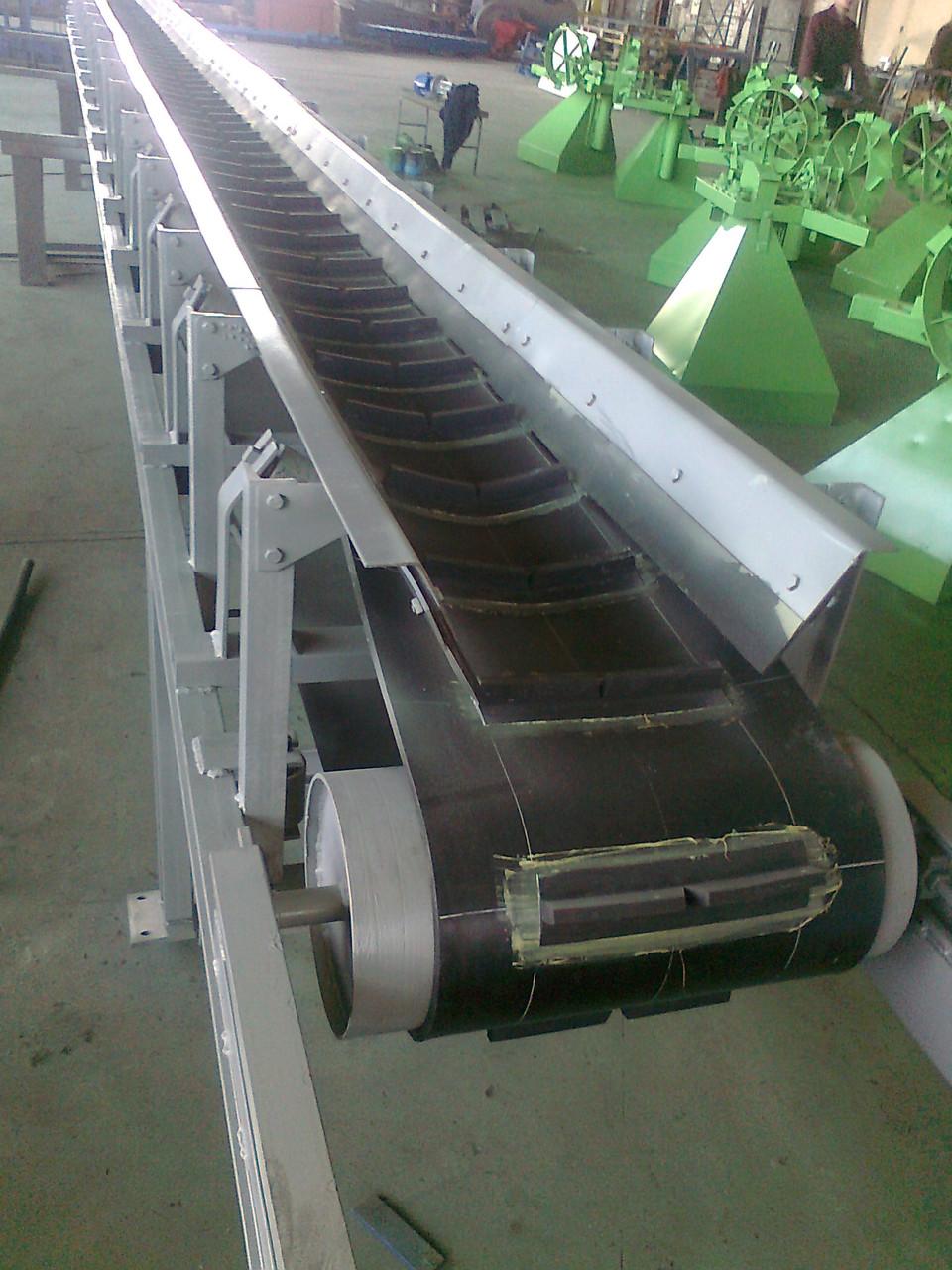 Транспортер ленточный шевронный конвейеры из лего