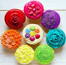 Вот такие вот изделия получаются при помощи гелевых пищевых красителей.