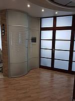 Волнообразный шкаф-купе в прихожую
