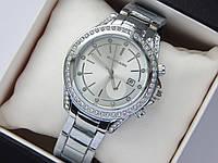 Женские наручные часы Michael Kors серебро, метки - стразы, серебристый циферблат с датой