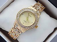 Женские кварцевые наручные часы Chanel золотого цвета