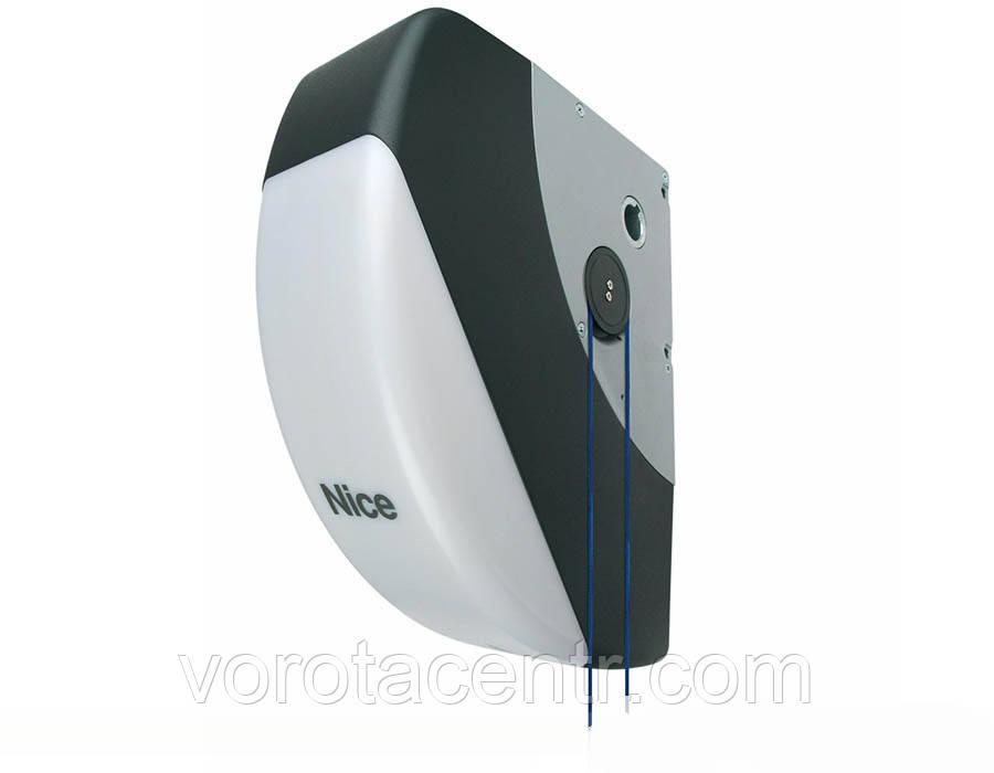 Электропривод SOON 2000/А для секционных ворот площадью до 15 м² и высотой до 5м