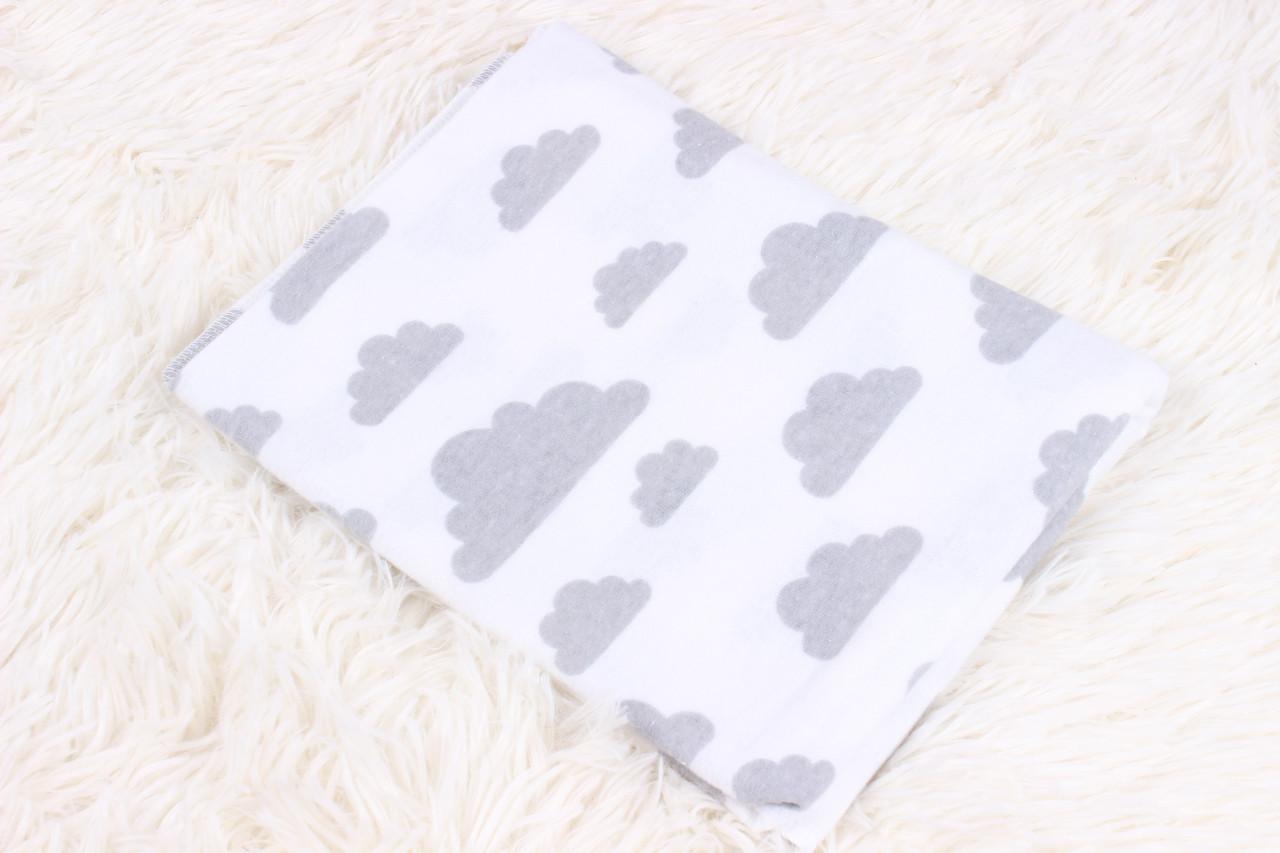 Фланелевая пеленка Серые тучки на белом