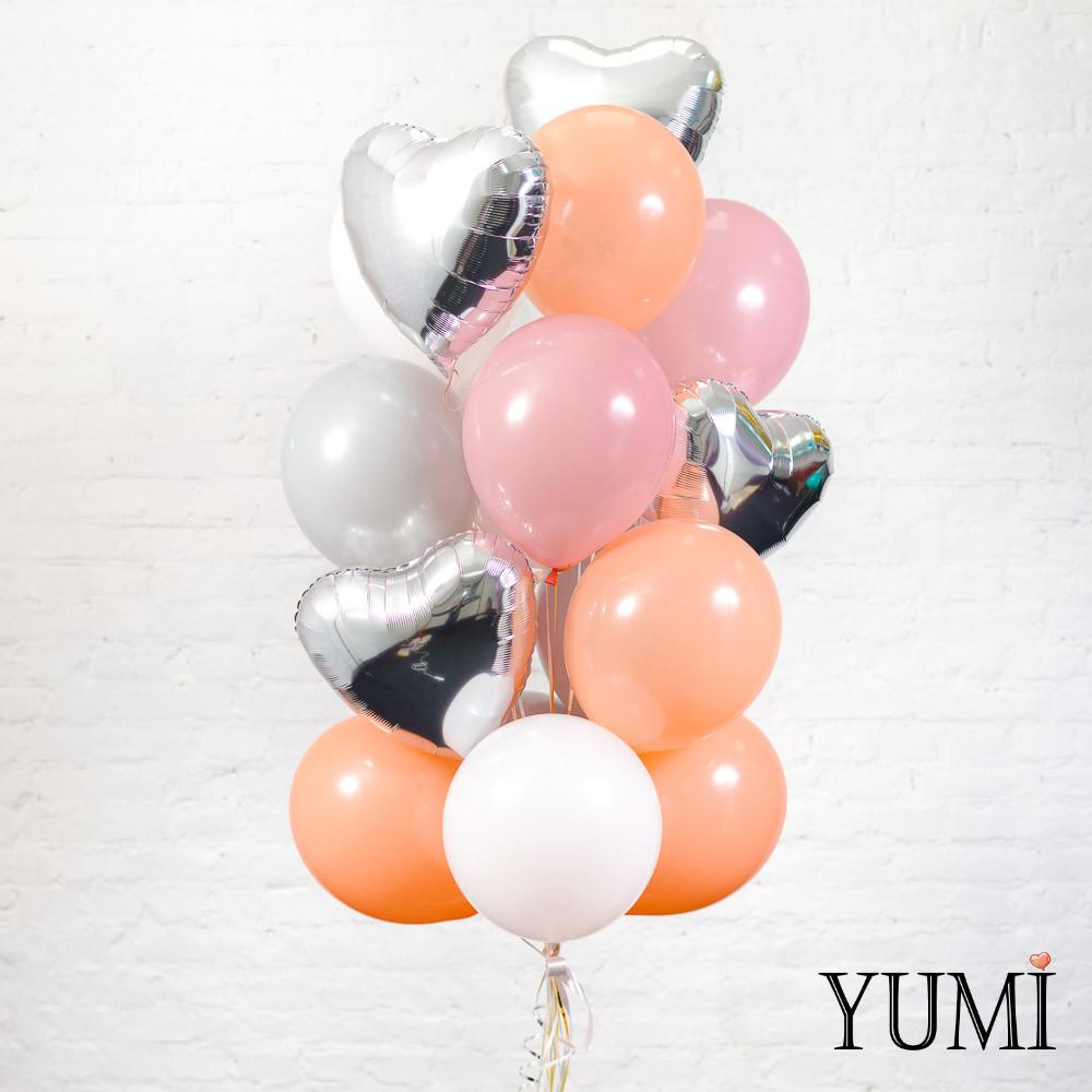 Красивая связка из 17 воздушных шаров для девушки