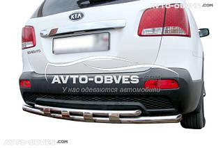 Защита заднего бампера Kia Sorento 2010-2012 двойной ус с перемычками