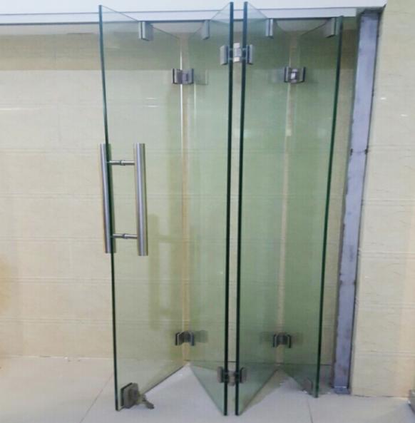 4 Перегородка гармошка из каленого прозрачного стекла