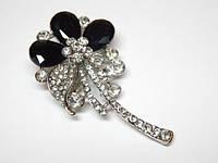 Брошь, белый металл, черные камни, белые стразы, размер 3,7х5 см.