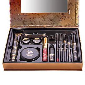 Подарочный набор KYLIE Holiday Edition 11 pieces of fashion makeup set в примятой упаковке
