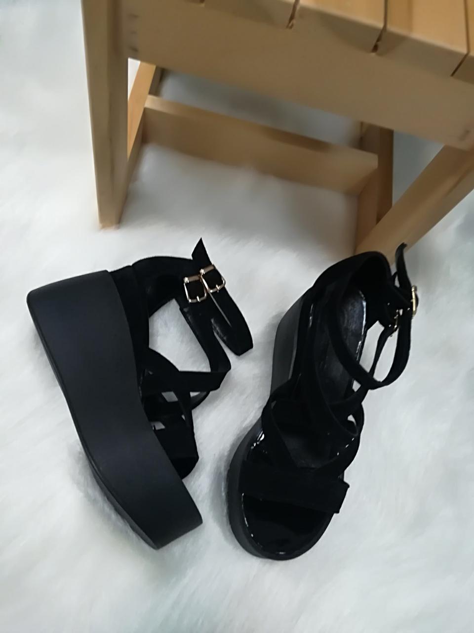 a0519822b Черные замшевые босоножки с ремешками на платформе - ГЛЯНЕЦ |  Интернет-магазин КОЖАНОЙ обуви с