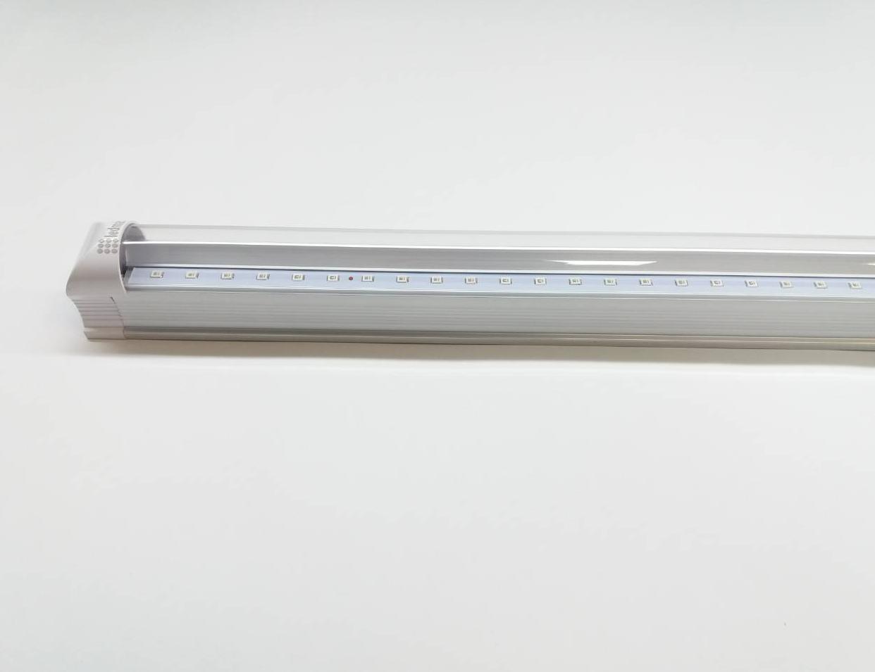 Светодиодный светильник для растений 600 мм ( 4 красных 2 синих ФИТО свет )