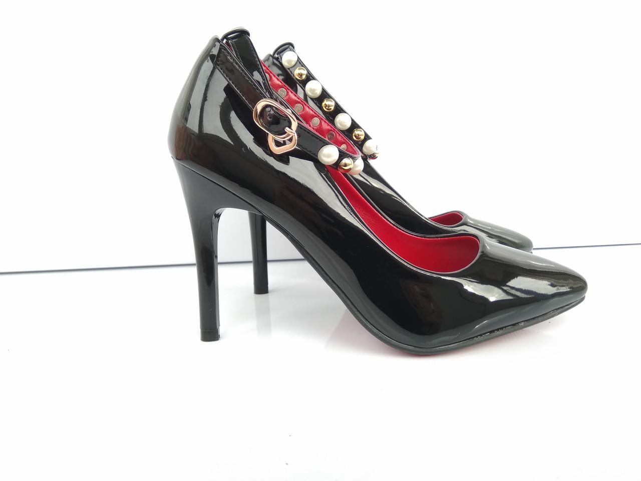Лаковые туфли лодочки с пояском с жемчугом  продажа e4e58a5627d8d
