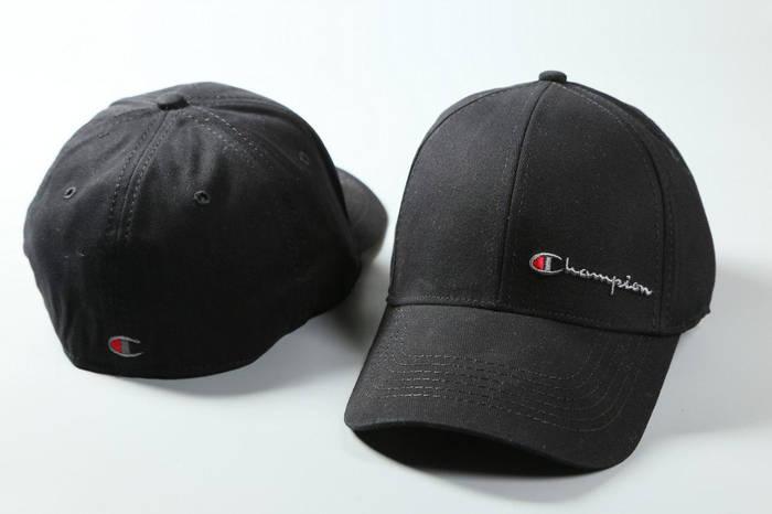 Кепка в стиле Champion Black  продажа 5dd95738f262f