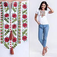 Белая трикотажная футболка вышиванка Цветы красные