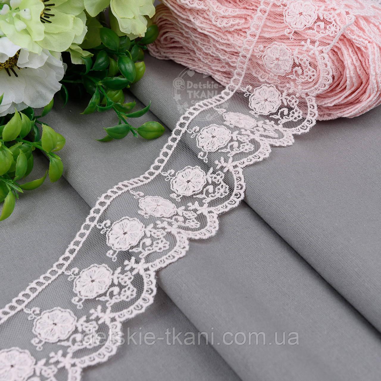 Кружево на сеточке розового цвета с вышивкой матовой нитью, ширина 5 см (реплика бренда), № 5234роз