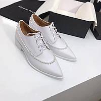 Туфли украшенные жемчужинами Simone Rocha