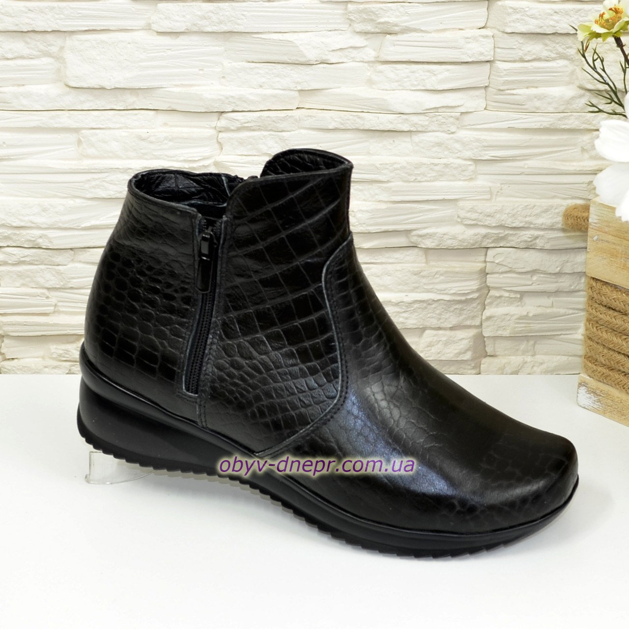 """Женские   ботинки на утолщенной подошве, натуральная кожа """"питон"""""""