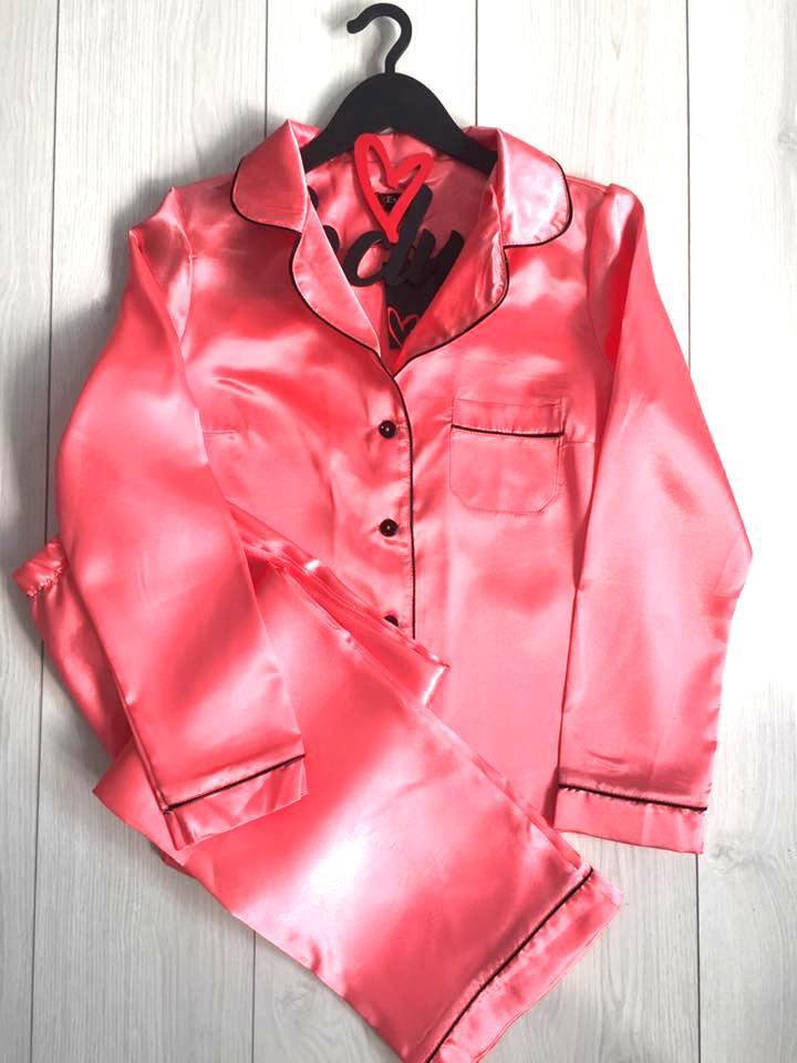 Персиковый атласный комплект женской пижамы: рубашка и штаны