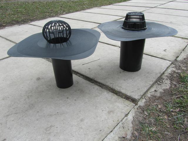 Два вида водоотводных воронок Камп