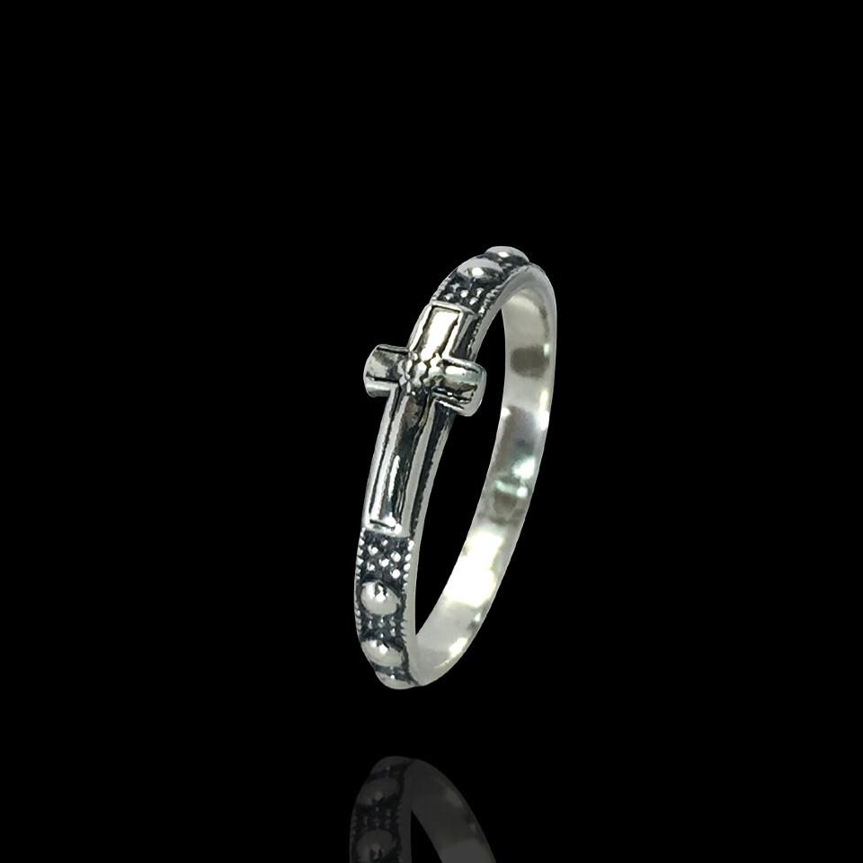 Серебряное кольцо-оберег с крестом