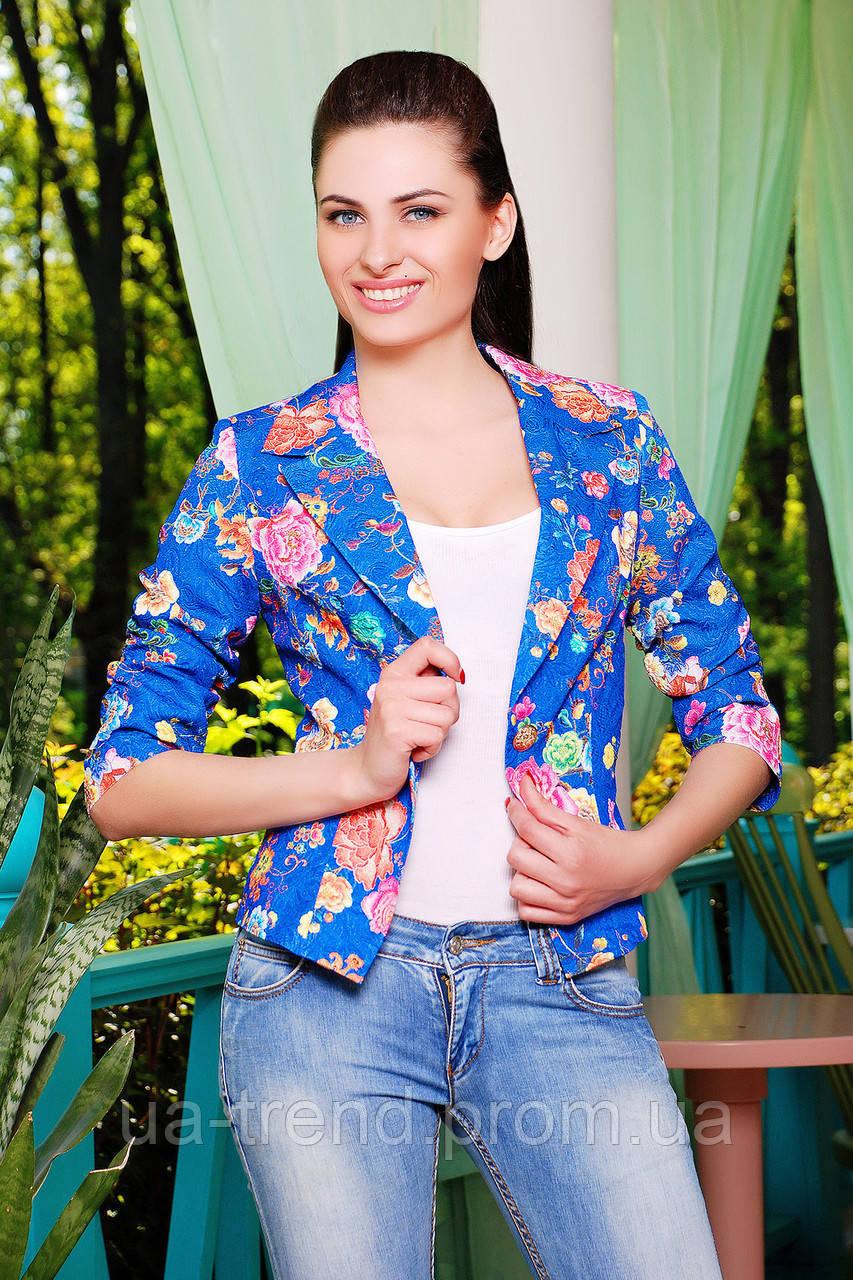 Синий женский пиджак с цветочным рисунком