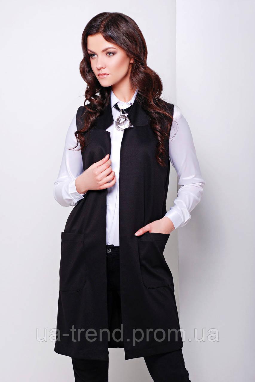 Модний подовжений жіночий жилет з накладними кишенями