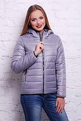 Жіноча коротенька куртка на блискавці сірого кольору