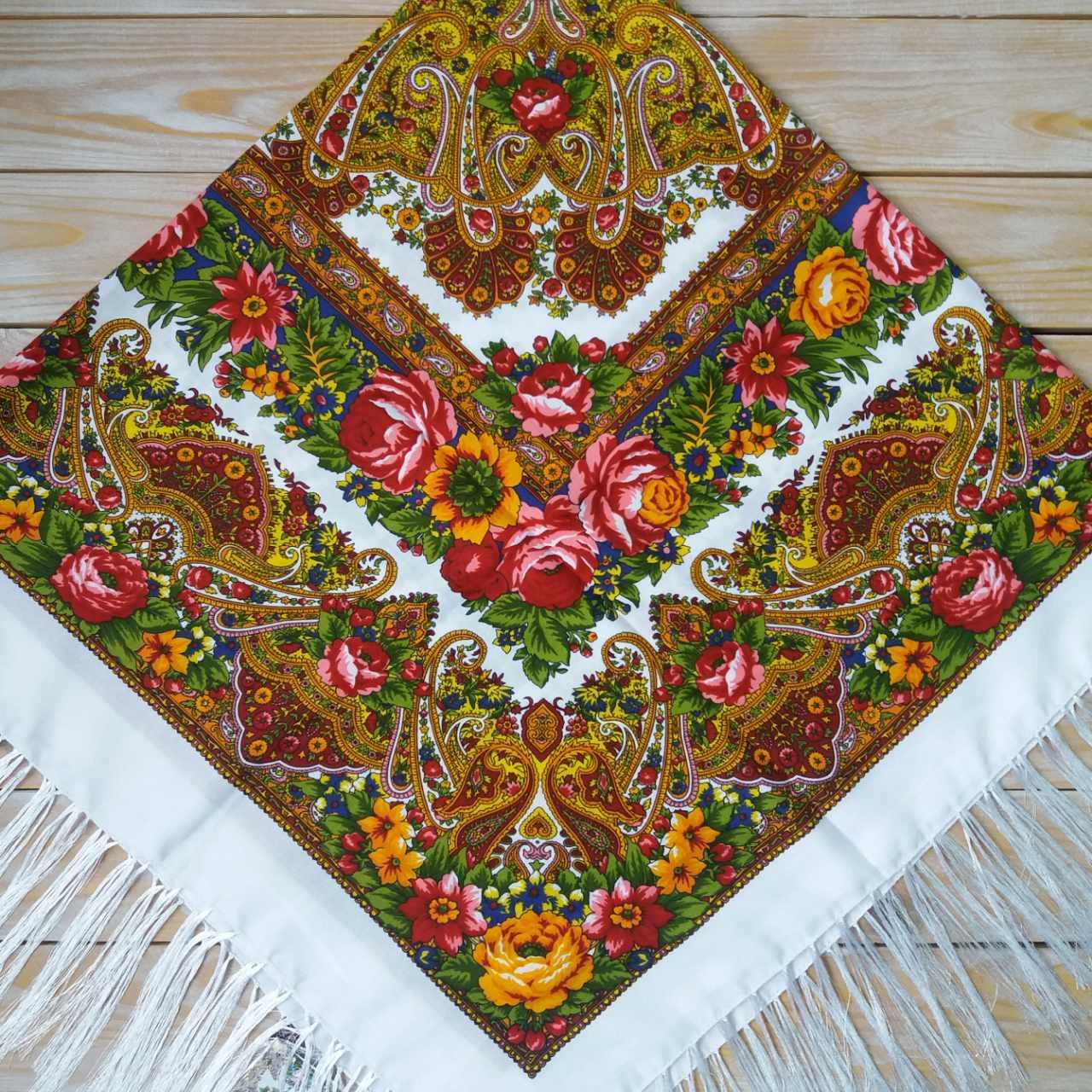 Женский платок с цветами (120х120см,  80%-шерсть)