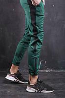 Мужские спортивные штаны зеленые с полосой бренд ТУР модель Рокки от Производителя L