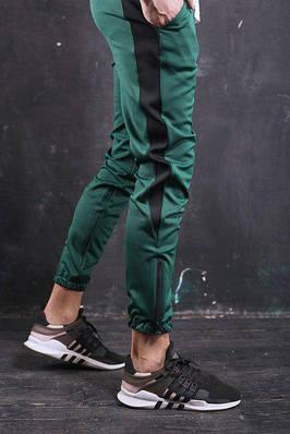 Мужские спортивные штаны зеленые с полосой бренд ТУР модель Рокки