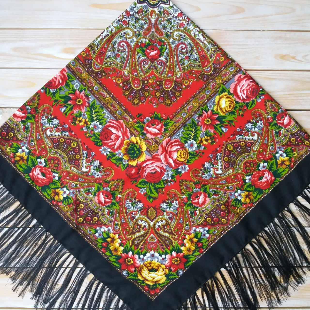 Женский платок черного цвета (120х120см, 80%-шерсть)