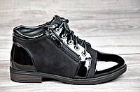 Женские весенние ботинки полусапожки черные ботильоны на низком ходу искусственная замша кожа лак (Код: М1066)