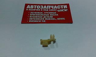 Скоба тяги замка ВАЗ 2108-15