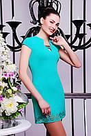 Короткое летнее женское платье бирюзового цвета