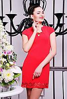 Короткое летнее женское платье кораллового цвета