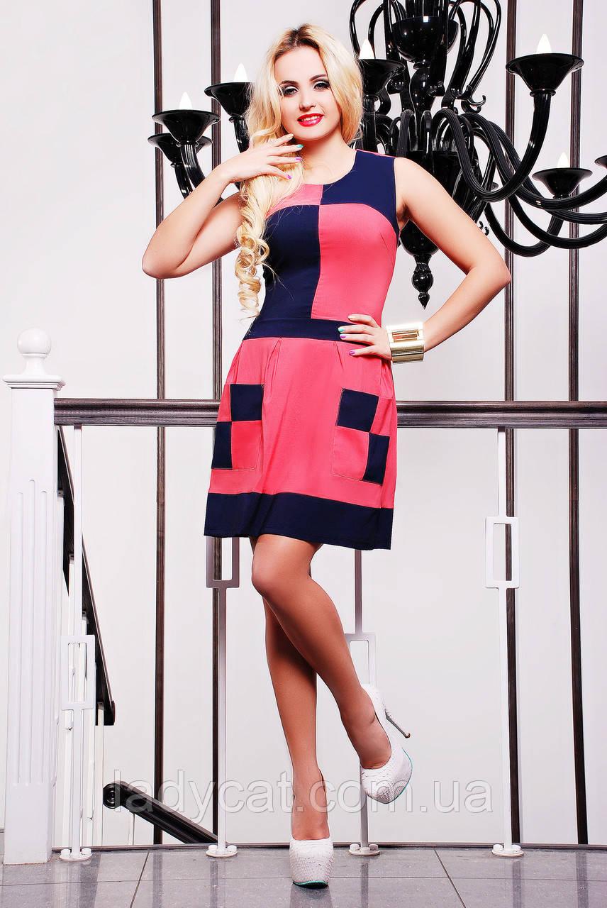Молодежное летнее комбинированное платье   без рукавов кораллового цвета