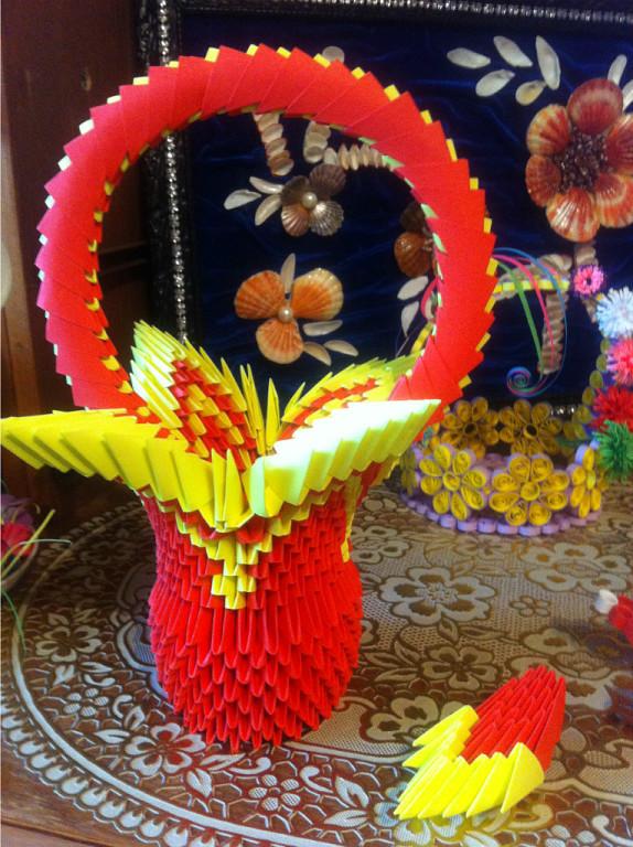 Оригинальная корзинка в технике оригами