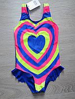 Детский слитный купальник с радужной расцветкой в форме сердца