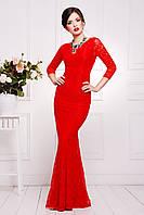 Яркое длинное женское вечернее платье с рукавом три четверти красного цвета
