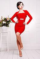 Короткое молодежное вечернее платье на бретелях красного цвета
