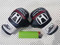 Сувенирные мини перчатки боксерские для авто сувенир брелок логотип Хонда чорно-белые